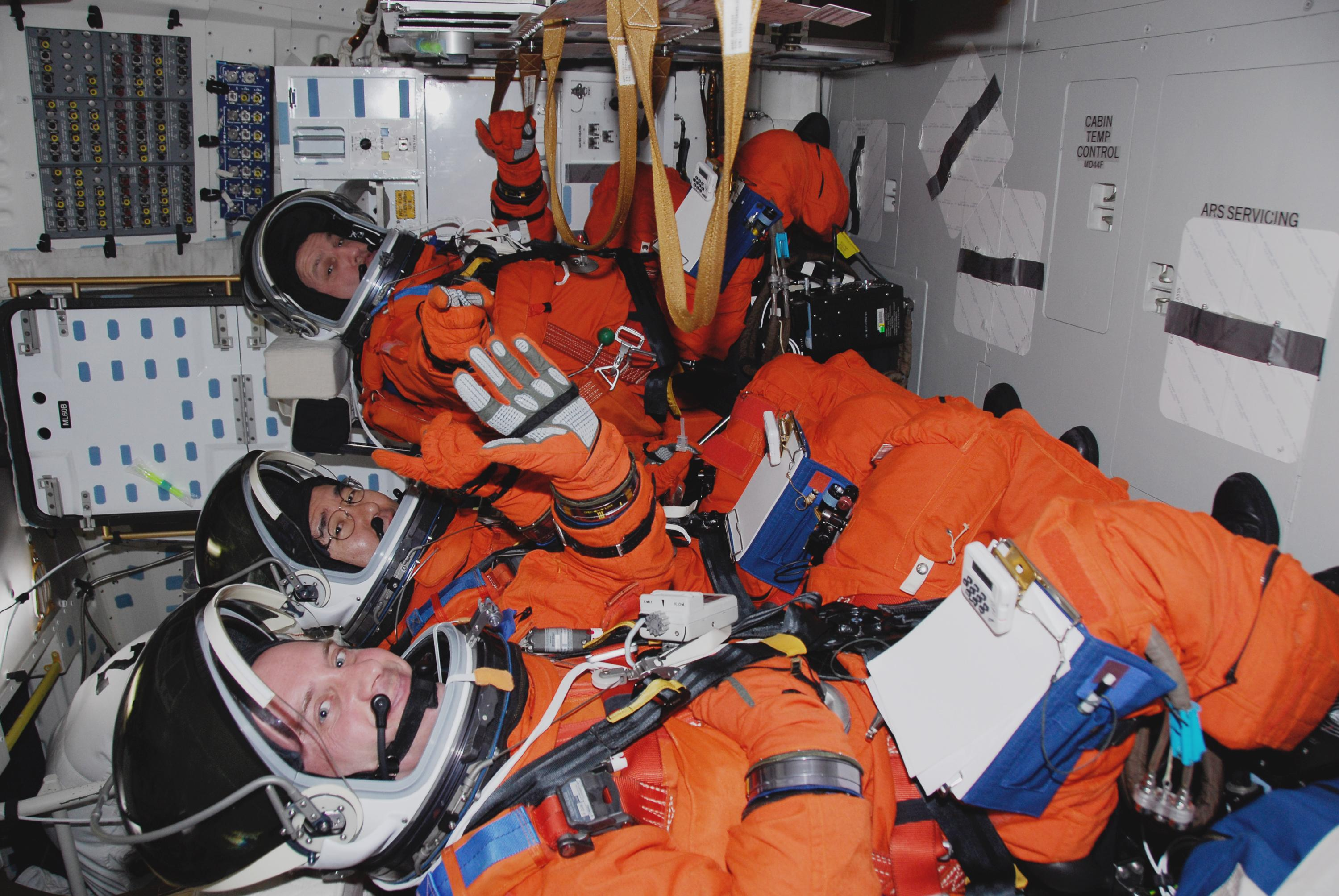 What g-force do astronauts experience during a rocket launch? |