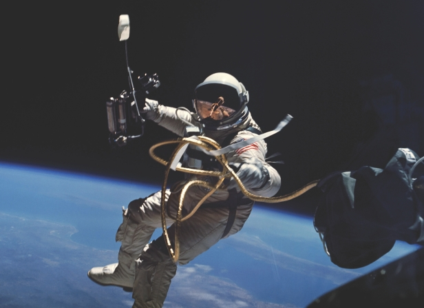 who is first astronaut in space - photo #40