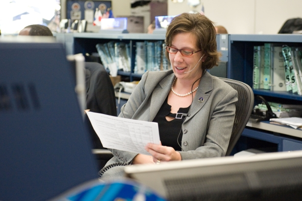 Holly Ridings works as a Flight Director in NASA's Mission Control Center.